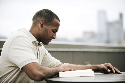 Man-Reading-Bible31